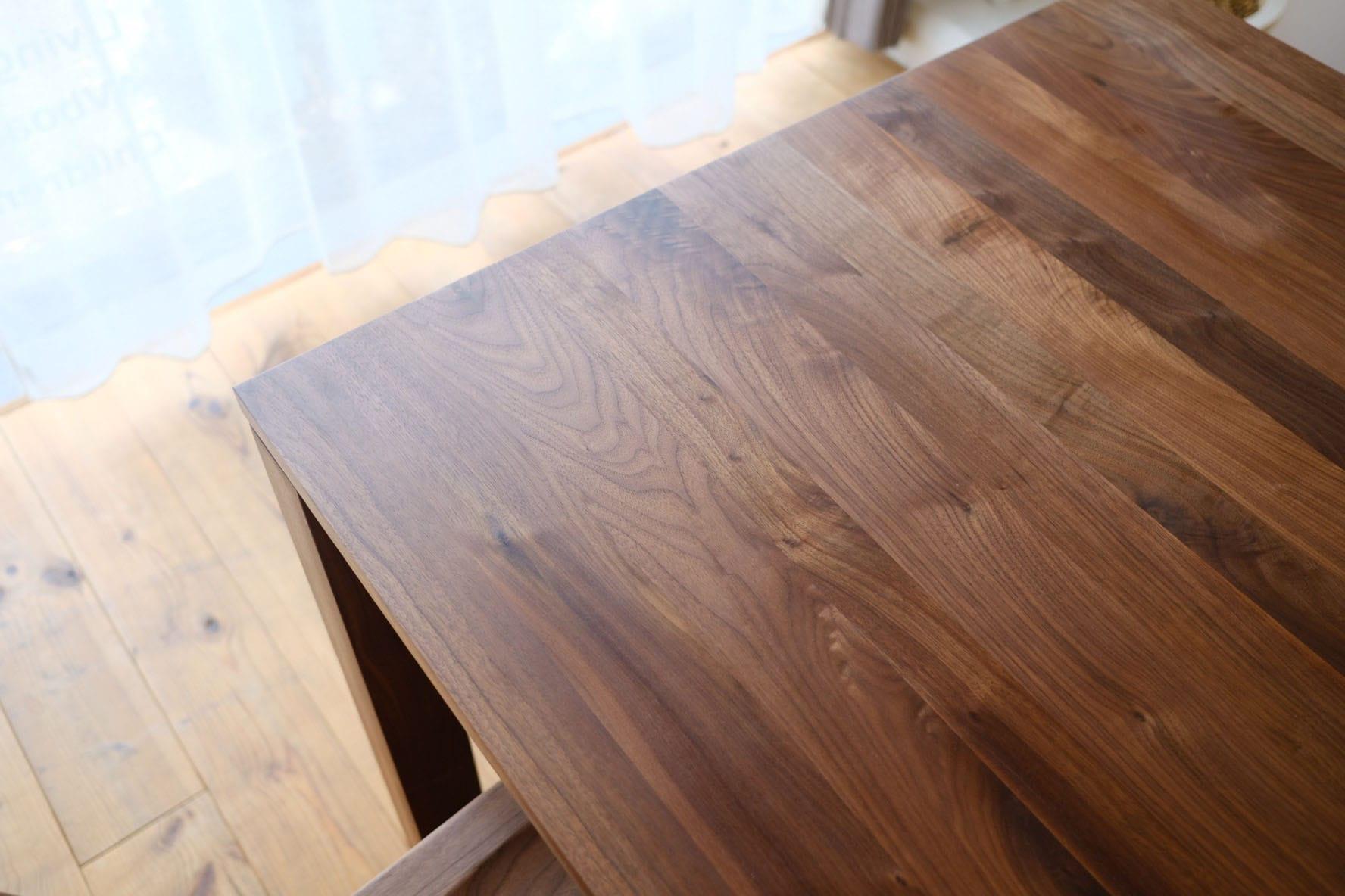 肌触りのいいテーブル