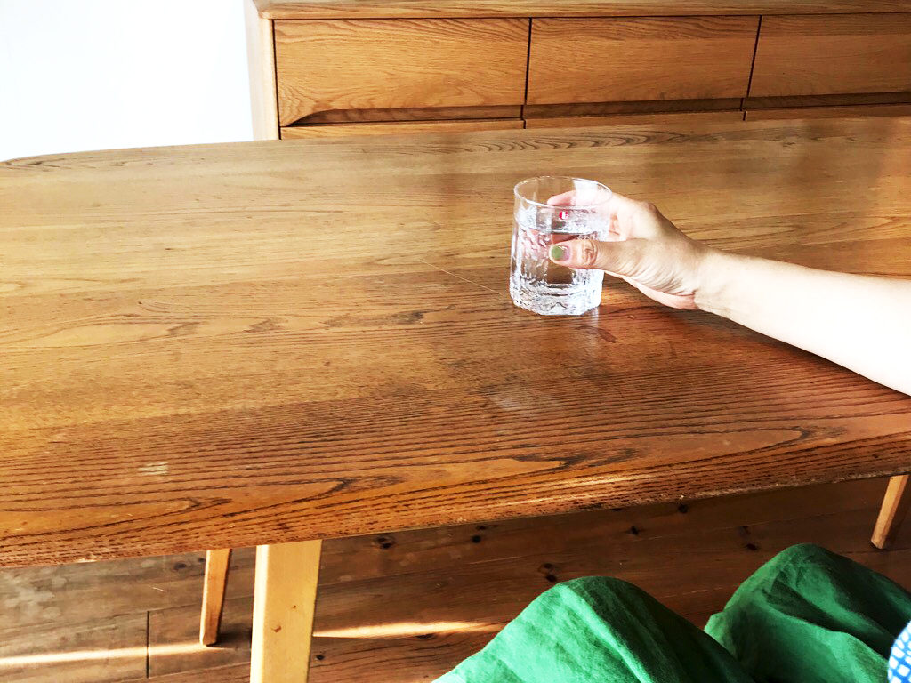経年変化したダイニングテーブル