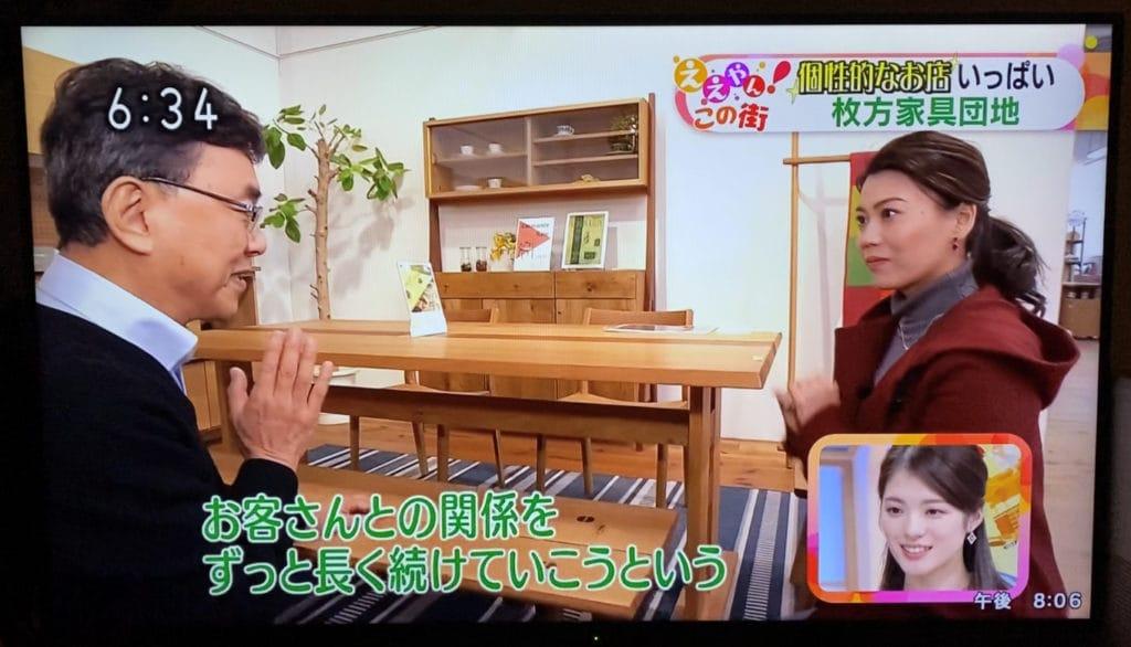 NHKの取材で理念を伝えている様子