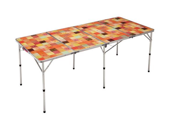代用コールマンの折り畳みテーブル